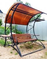 Качели кованые с крышей из поликарбоната