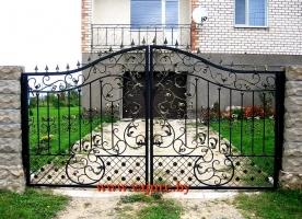 Кованые ворота и калитка люкс
