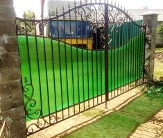 Ворота и калитка кованые с поликарбонатом